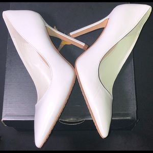 "New(ish) 4"" White Leather VINCE CAMUTO Pumps sz 5"